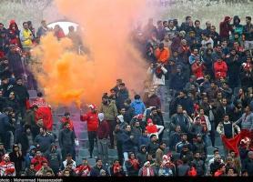 حاشیه دیدار پرسپولیس - نفت مسجدسلیمان، درگیری میان هواداران بالا گرفت، واکنش ویسی به فحاشی ها!