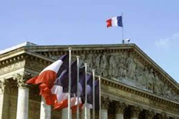 تنش در روابط فرانسه با آمریکا ، واشنگتن خودروسازان اروپایی را تهدید کرد